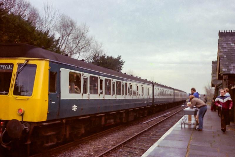 Passenger train from Winslow to Milton Keynes