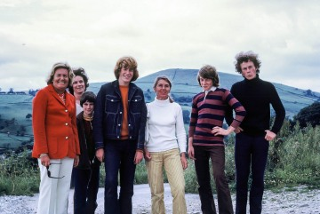 Helensburgh, Joan Blasdale, Christopher Blasdale, Betty Blasdale, Peter Blasdale, Stephen Blasdale  on way to Helensburgh