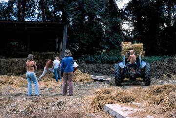 Lodge Farm, Gisslingham. Straw carting, Betty Blasdale, Tony Gawthrop, Janette Gawthrop, Mike Gawthrop