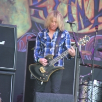 Slash at Pyramid Stage Glastonbury