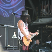 Slash at Pyramid Stage Glastonbury
