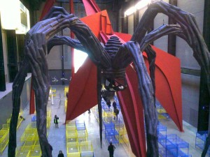 Massive spider sculpture by Louise Bourgeois