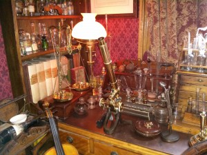 Chemistry at the Sherlock Holmes Museum